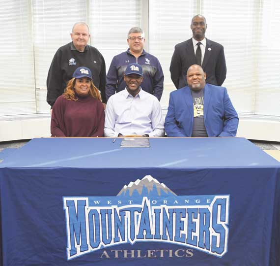 West Orange HS athletes sign with colleges