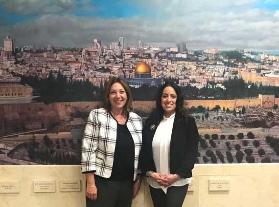 Matute-Brown visits Daughters of Israel