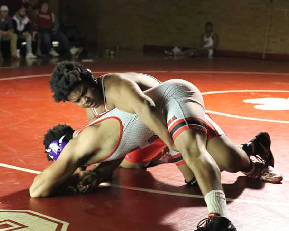 Bloomfield HS wrestling team captures Gray Cup title