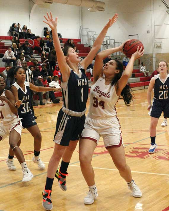 Bloomfield HS girls basketball team defeats MKA to advance in ECT