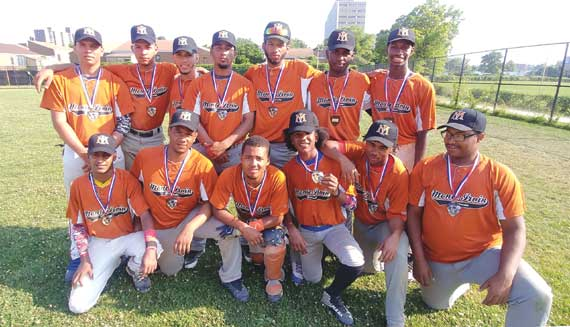 Monte Irvin Giants take second place in tourney